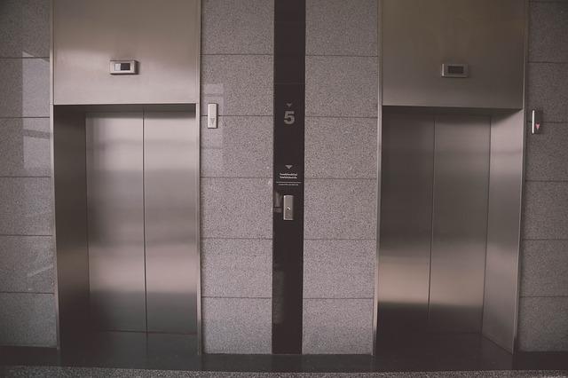 הוספת מעליות