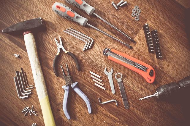 כלים מקצועיים לבית ולגינה