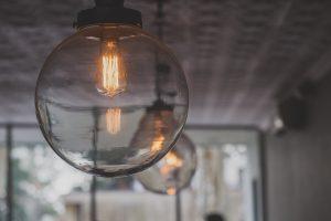 אילו גופי תאורה מתאימים לאיזה סוגי חדרים?