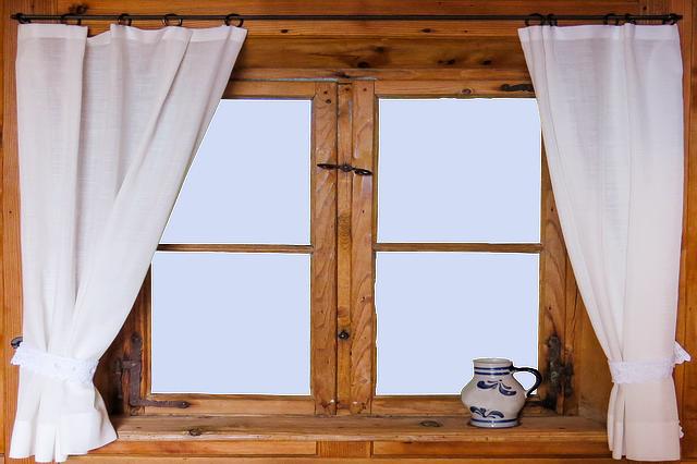 חלונות עץ
